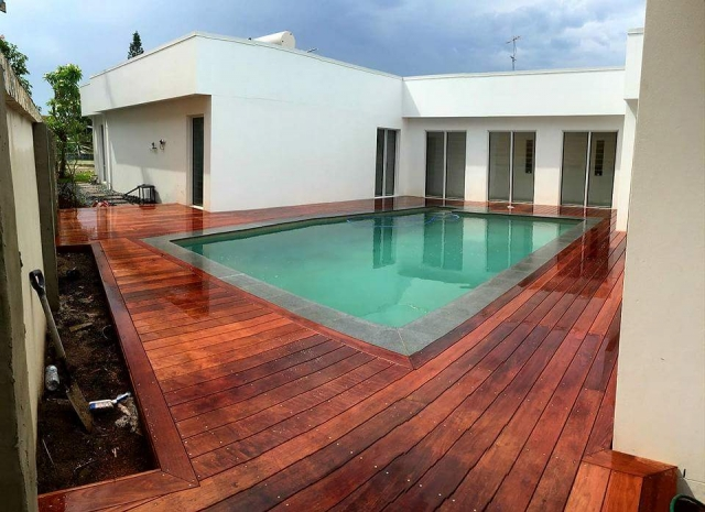 Bundall Pool Decking