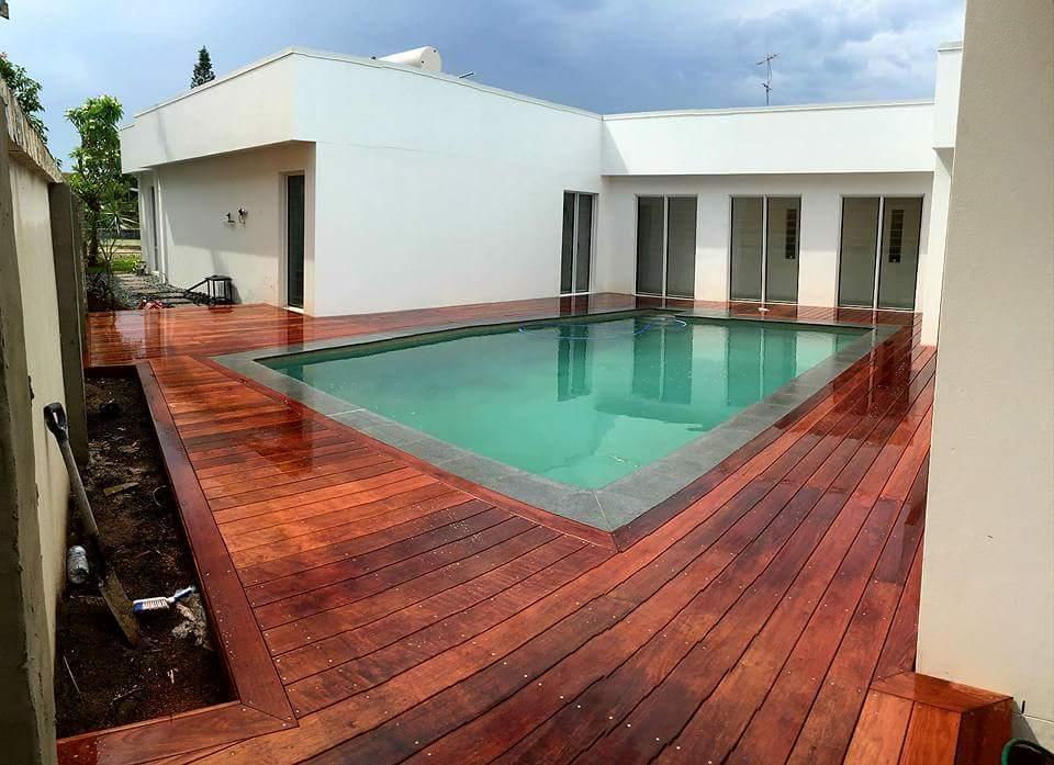 Bundall Pool Decking